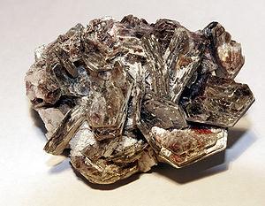 English: Mica mineral. Deutsch: Glimmer