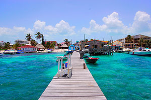 English: San Pedro Beach in Ambergris Caye, Be...