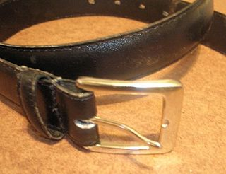 Frame Style Buckle A Conventional Belt With Single Square And G