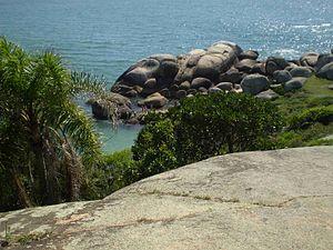 Foto da Trilha das Piscinas Naturais na Barra ...