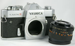 English: A Yashica TL Electro-X, with the lens...