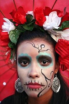 https://i1.wp.com/upload.wikimedia.org/wikipedia/commons/thumb/6/67/Day_of_the_Dead_Girl.jpg/240px-Day_of_the_Dead_Girl.jpg