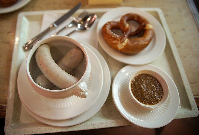File:Weisswurstfrühstück.jpg