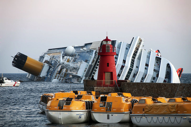 File:Collision of Costa Concordia 27.jpg