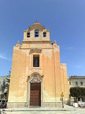 English: Church in Favignana Italiano: Chiesa ...