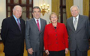 Los ex Presidentes de Chile Ricardo Lagos, Edu...