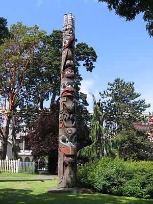 Thunderbird Park, 2006. Haida pole (1954). (Re...