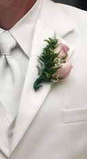Boutonniere-whitesuit