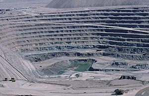 A mina de Chuquicamata (Chile) é a maior mina a céu-aberto de cobre do mundo.
