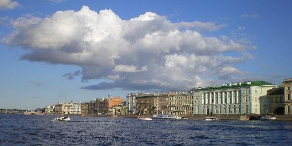 Дворцовая набережная — Википедия