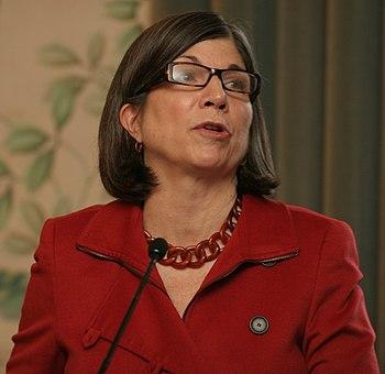 Anna Quindlen addressing the Barnard Class of ...