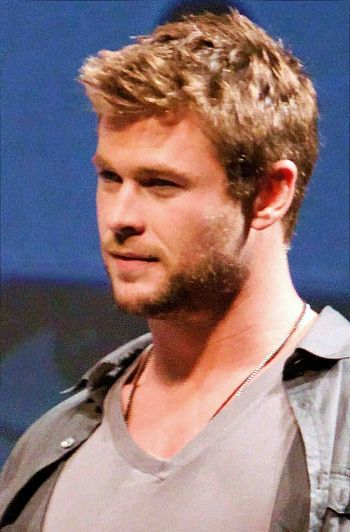 English: Chris Hemsworth at 2010 Comic-Con Int...
