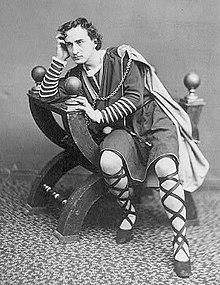 The Famous Shakespeare's book Hamlet(Bacalah Buku