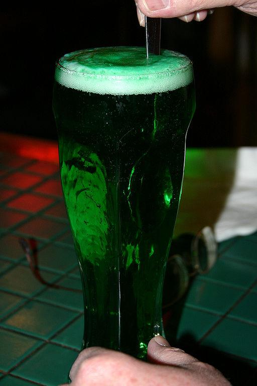 https://i1.wp.com/upload.wikimedia.org/wikipedia/commons/thumb/6/6a/Green_Beer.jpg/512px-Green_Beer.jpg