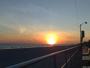 English: Sunset at Long Beach - Sunday 12th Oc...