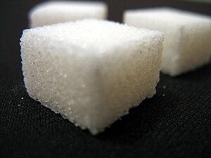 English: Sugar cubes. Français : Cubes de sucr...
