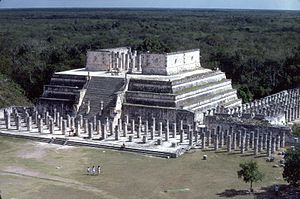 English: Temple of the Warriors, Chichen Itza....