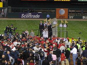 English: Baseball commissioner Bud Selig prese...