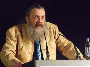 English: Alan Moore speaking at TAM London 2010