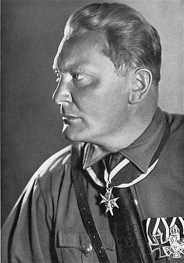 File:Bundesarchiv Bild 102-13805, Hermann Göring.jpg