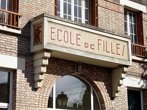 Franconville - Groupe scolaire Ferdinand-Buiss...
