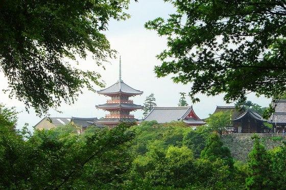 Ficheiro:Japan Kyoto KiyoMizuDera temple from afar DSC00653.jpg