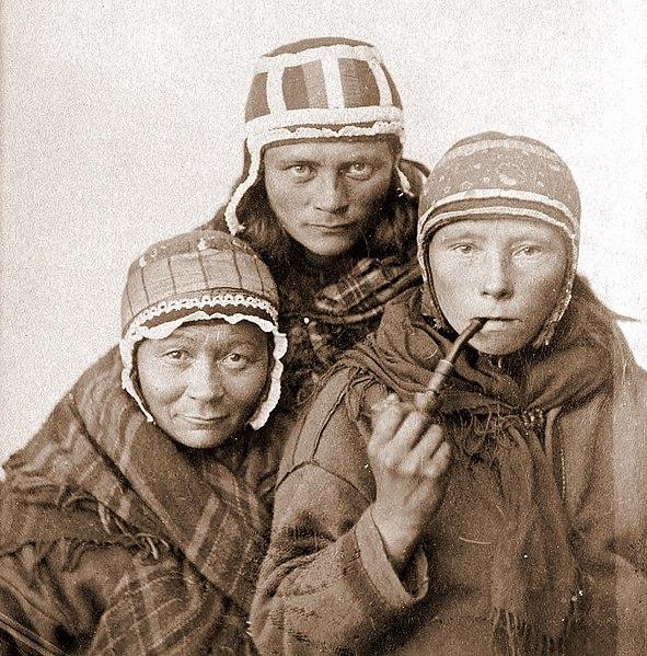 File:Three Sámi Lapp women, c1890s.jpg