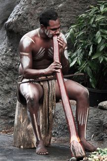 dijeridu, didjeridoo degli indigeni australiani