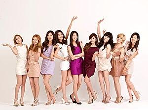 https://i1.wp.com/upload.wikimedia.org/wikipedia/commons/thumb/6/6c/LG_시네마_3D_TV_새_모델_'소녀시대'_영입.jpg/300px-LG_시네마_3D_TV_새_모델_'소녀시대'_영입.jpg