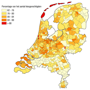 Nederlands: Opkomstpercentage per gemeente, bi...