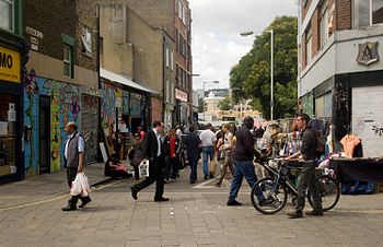 English: Street scene from Brick Lane in London.