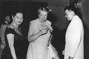 English: Eleanor Roosevelt with President Ramo...