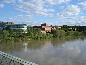 English: View from the Finley Bridge, looking ...