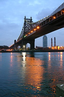 Queensboro Bridge From Roosevelt Island Night.jpg
