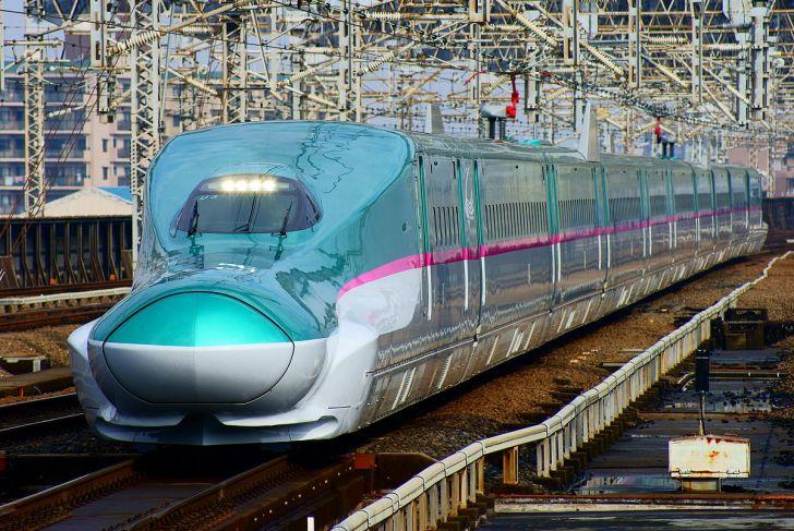 「はやぶさ」で営業運転を開始したE5系U3編成(2011年3月8日 大宮駅)
