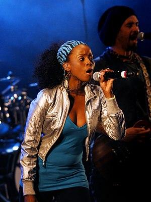 Cherine Anderson at the 2009 Cactus Festival i...