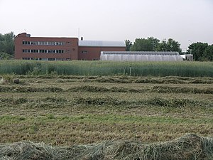 English: Experimental farm and Unit of Crop Pr...