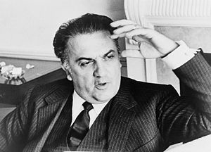 English: Federico Fellini