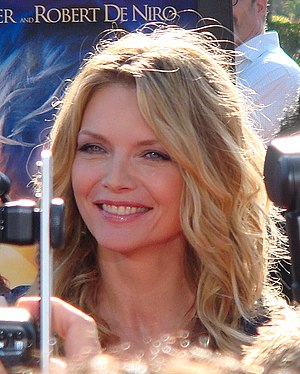 English: Michelle Pfeiffer at the premiere of ...