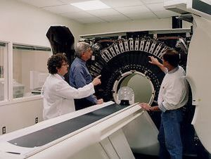 PET at NIH Clinical Center. General Electric (...