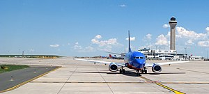 English: Southwest Airlines airplane on the ru...