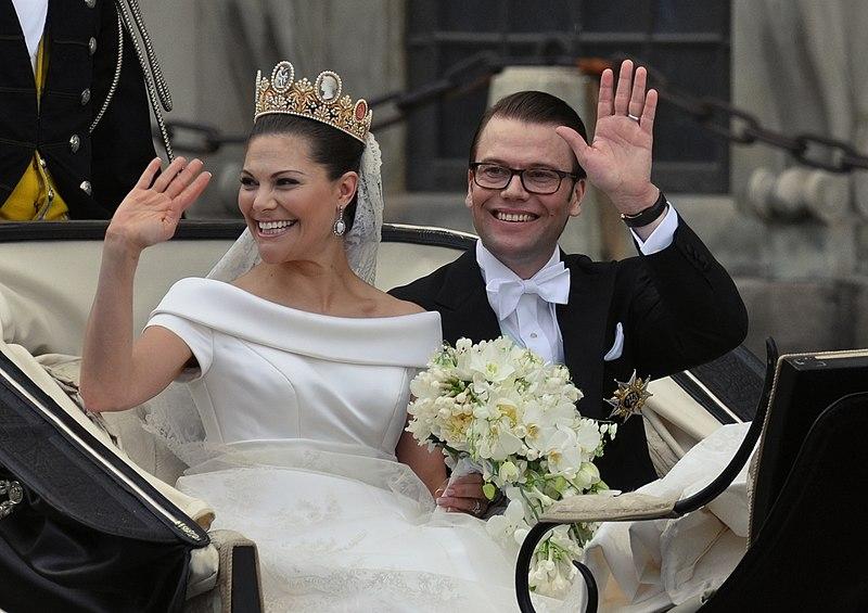 File:Royal Wedding Stockholm 2010-Slottsbacken-05.jpg