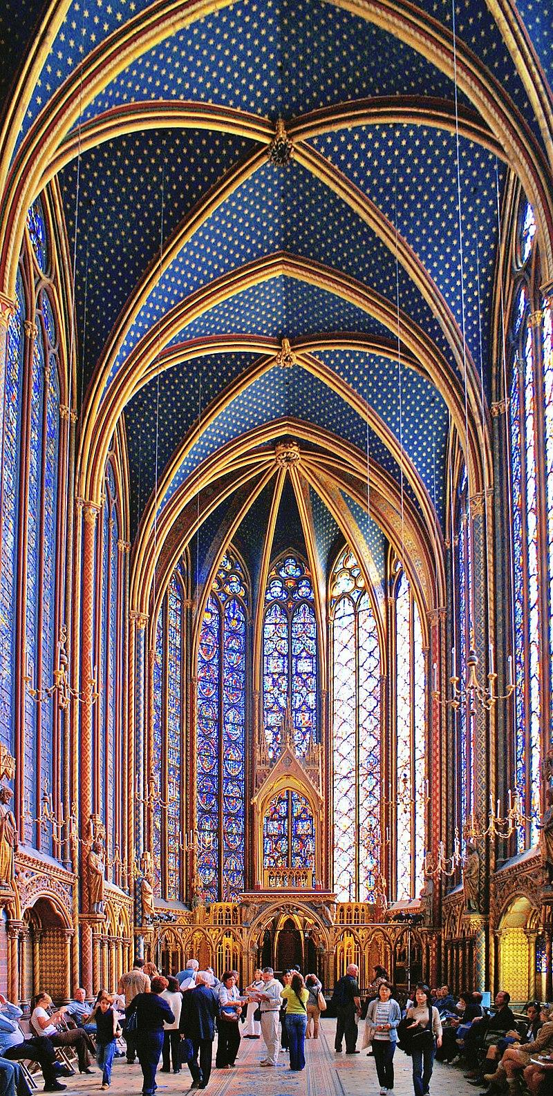Sainte Chapelle - Upper level 1.jpg