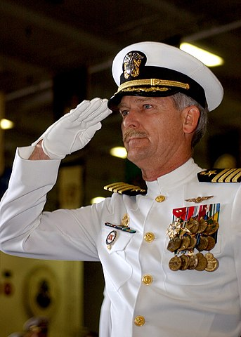 File Us Navy 040729 N 4953e 033 The Commanding Officer Of The Aircraft Carrier Uss Harry S
