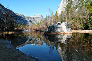 English: yosemite national park mirror lake 20...