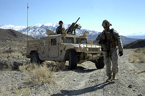 7th Special Forces Group (Airborne) Soldiers p...