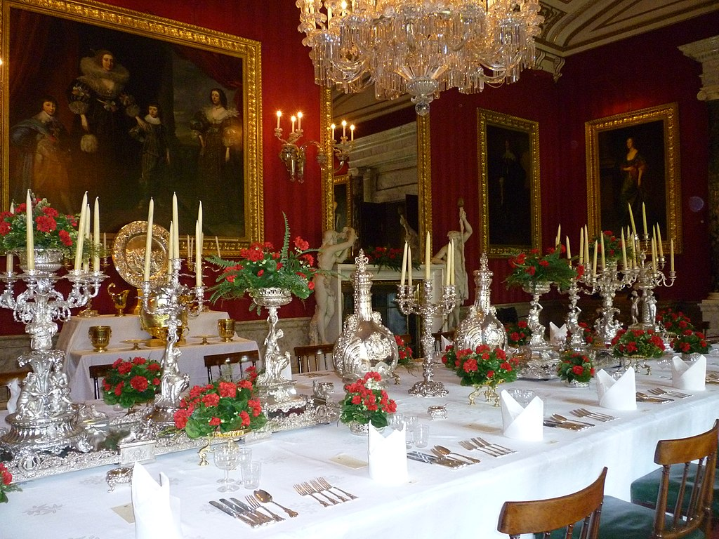 FileDining Table Laid At Chatsworth Housejpg Wikimedia