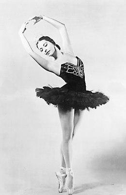 https://i1.wp.com/upload.wikimedia.org/wikipedia/commons/thumb/7/73/Alicia_Alonso_1955.jpg/260px-Alicia_Alonso_1955.jpg