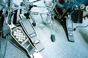 English: Dixon double bass drum pedal Русский:...