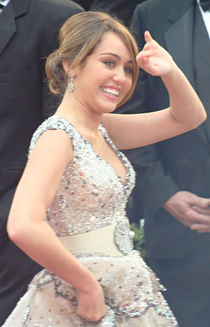 English: Miley Cyrus at the 81st Academy Awards.